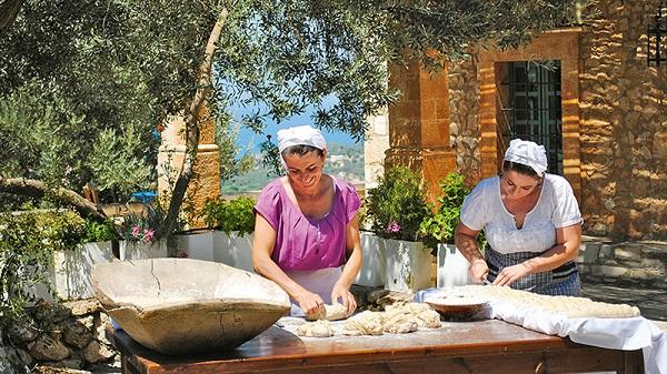 Καλλιέργειες τουριστών στο χωράφι και η ευκαιρία της Μεσσηνίας για το πρόγραμμα που τρέχει