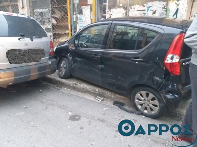 Σφοδρή σύγκρουση οχημάτων στο κέντρο της Καλαμάτας (φωτογραφίες)