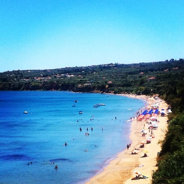 Πολυσύχναστες παραλίες χωρίς επίβλεψη