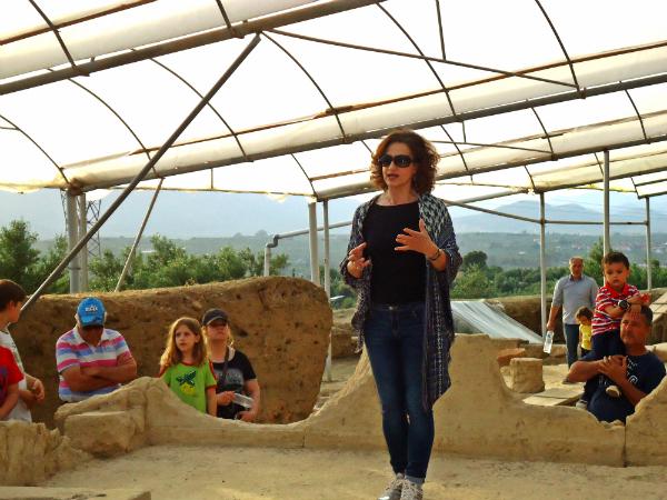 """Διαδικτυακή ομιλία της Ξένης Αραπογιάννη με θέμα """" Το Ασκληπιείο  της Αρχαίας Θουρίας και η λατρεία του Ασκληπιού στη Μεσσηνία"""""""