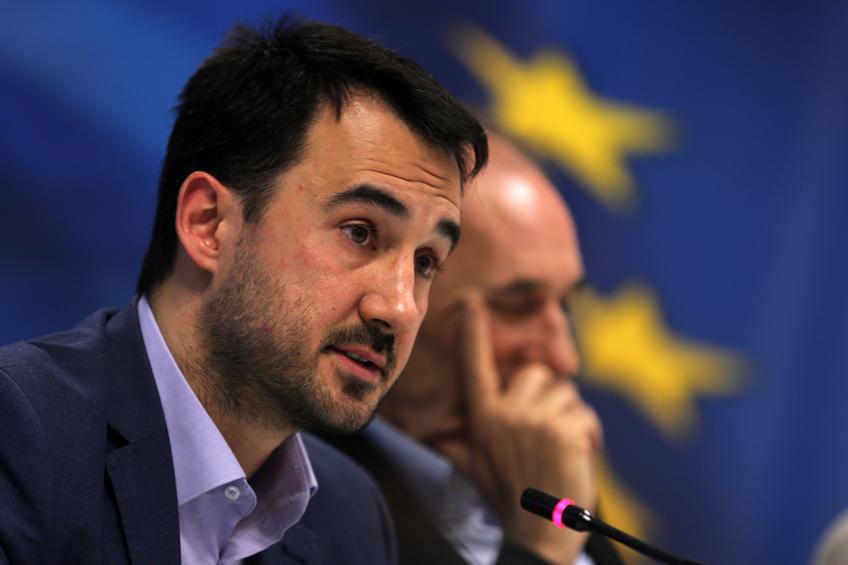 Χαρίτσης: «Η Ν.Δ. δείχνει εμπράκτως ότι θέλει μια Ελλάδα που θα παλεύει για το χρυσό μετάλλιο στην κούρσα προς τον πάτο»