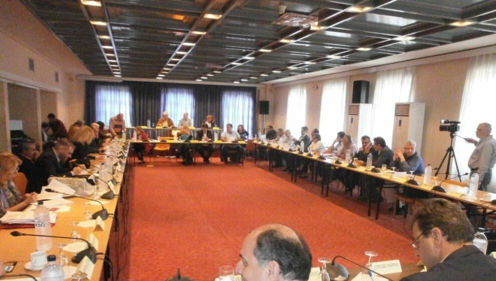 """Να συνεδριάσει το Περιφερειακό Συμβούλιο """"δια ζώσης"""" ζητά η Νέα Πελοπόννησος"""