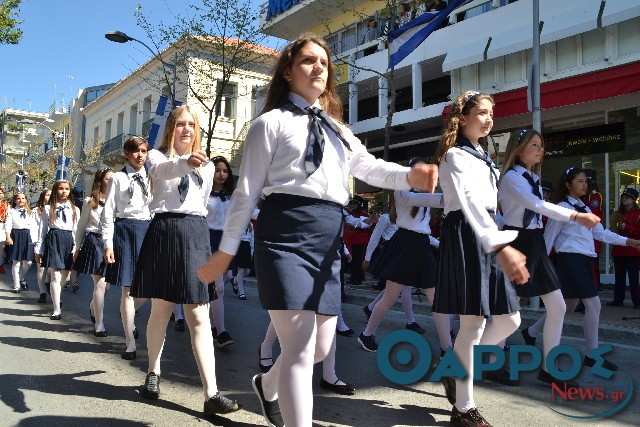 Με καλό καιρό και μηνύματα ενότητας ο εορτασμός της 25ης Μαρτίου στην Καλαμάτα (φωτογραφίες και βίντεο)