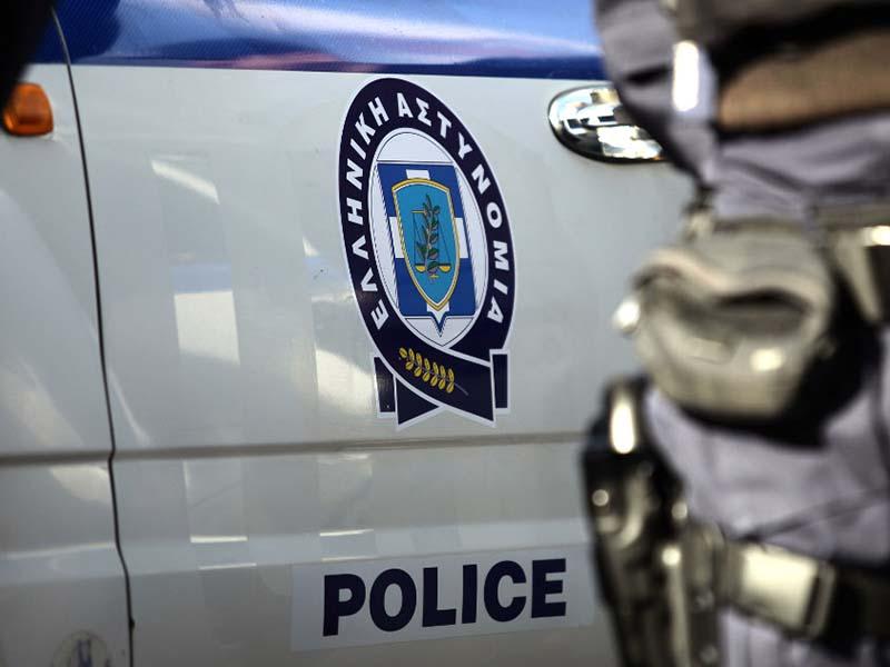 Ρομά και Βούλγαρος έκλεψαν τσαντάκι από αυτοκίνητο και συνελήφθησαν