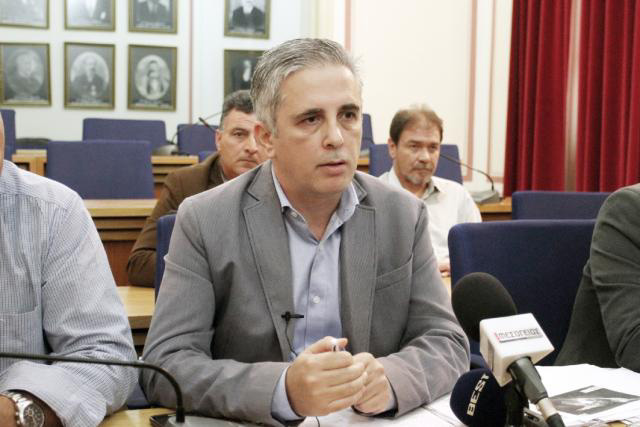 Μανώλης Μάκαρης: Γιατί σε εταιρείες εκτός Μεσσηνίας οι αναθέσεις του Δήμου Καλαμάτας;