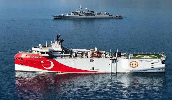 """""""Ξαναβγάζει"""" η Τουρκία το Oruc Reis, δίπλα στο Καστελλόριζο"""
