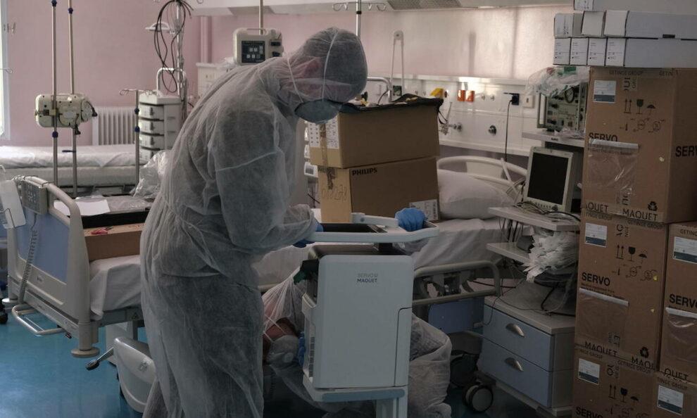 """Νοσοκομείο Καλαμάτας: Κατέληξε 80χρονος στην κλινική """"Covid-19"""" και διασωληνώθηκε ένας 59χρονος"""