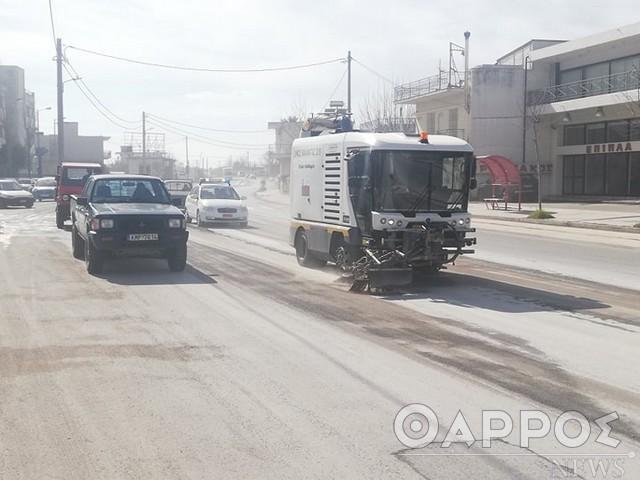Κυκλοφοριακό «έμφραγμα» και σήμερα σε δρόμους της Καλαμάτας λόγω της χθεσινής διαρροής πετρελαίου  (φωτογραφίες)