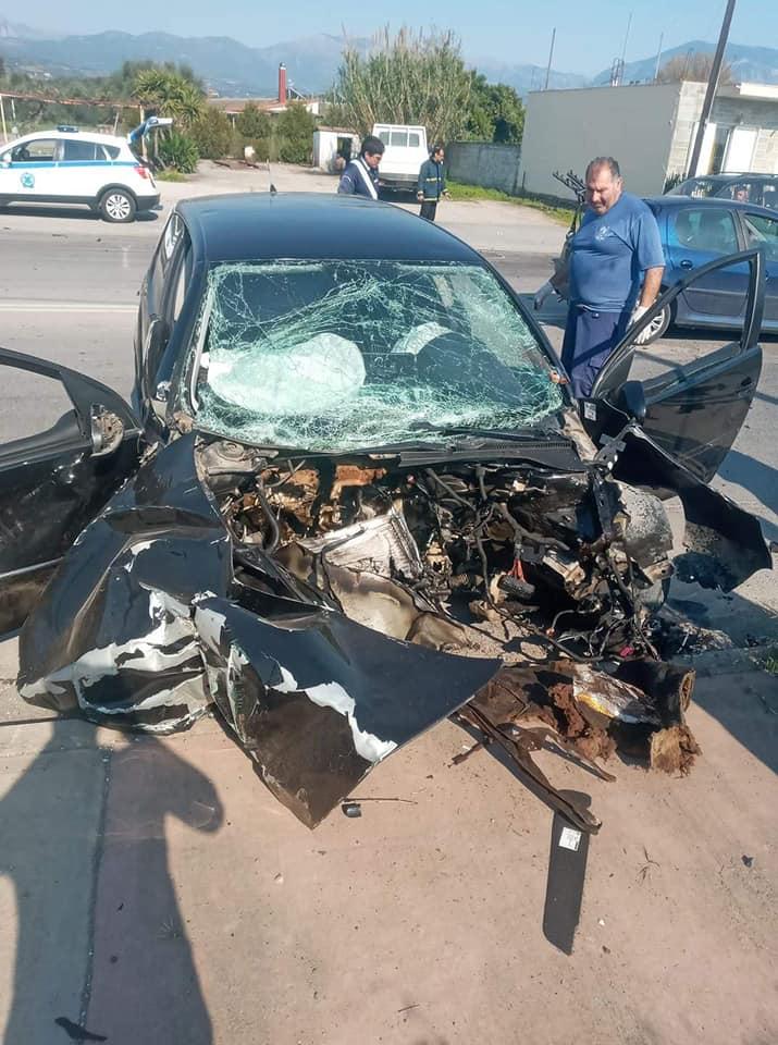 Τροχαίο ατύχημα στο Ασπρόχωμα, σε κρίσιμη κατάσταση ο οδηγός