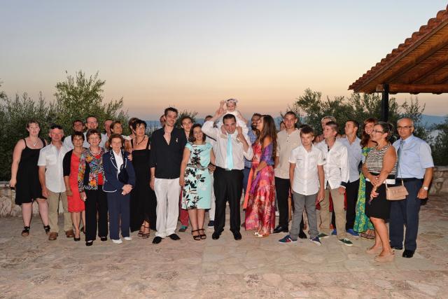 «Βάπτιση αλά ελληνικά» για 25 Βέλγους στην Καλαμάτα! (φωτογραφίες)