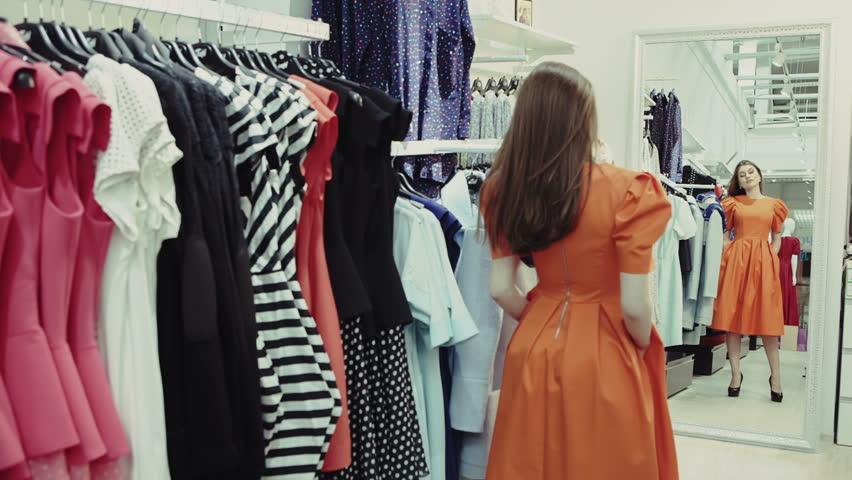 Πως θα γίνεται η δοκιμή των ρούχων στα καταστήματα