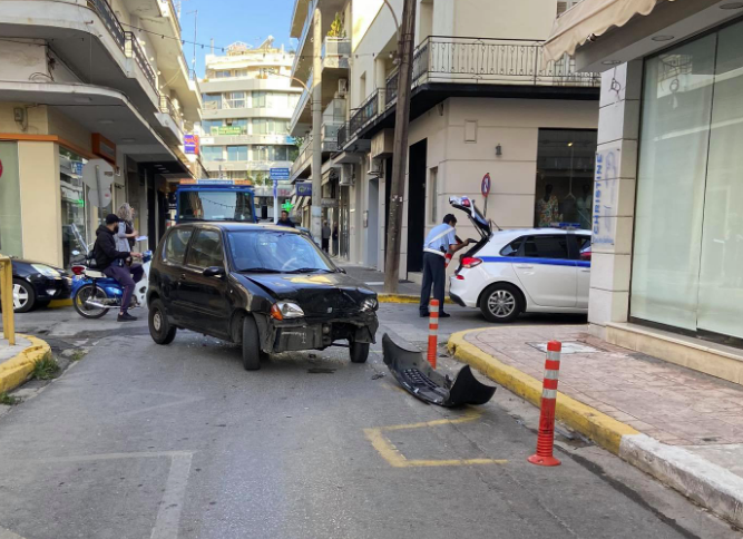 Τροχαίο ατύχημα στο κέντρο της Καλαμάτας