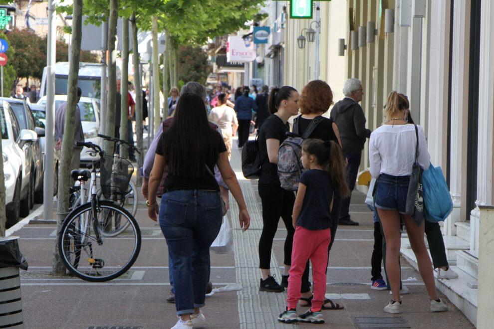 Μεσσηνία: Ξεχύθηκαν για ψώνια μετά το άνοιγμα των καταστημάτων