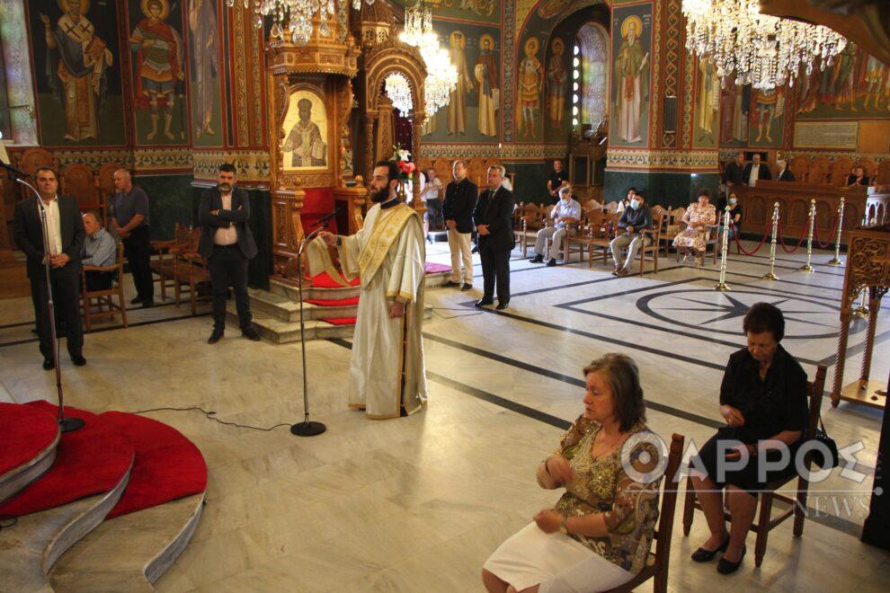 Με τήρηση των μέτρων και πολύ κόσμο οι εκκλησίες της Καλαμάτας (φωτογραφίες)
