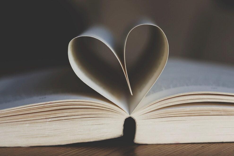 Εκπαιδευτήρια Μπουγά: Χάρισμα βιβλίων  σε αντικαρκινικά νοσοκομεία της χώρας