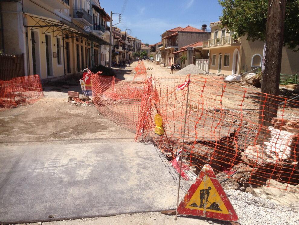 Σε αναμονή για επανέναρξη εργασιών ανάπλασης στην Άνω πόλη Κυπαρισσίας
