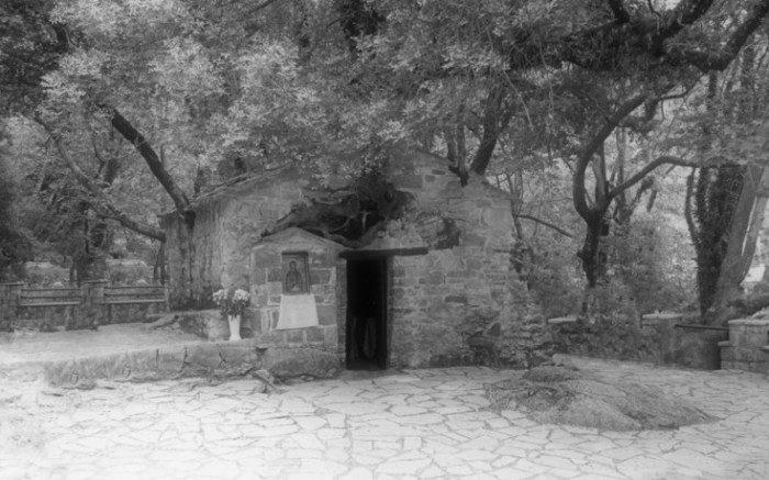 «ΘΑΡΡΟΣ» 28 Ιανουαρίου 1933: Η Αγία Θεοδώρα και το χωρίον Λυκούρεσι της Ανδανίας