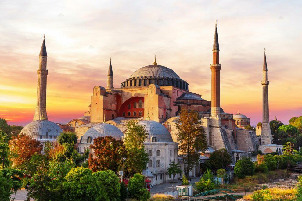 Απόφαση του τουρκικού δικαστηρίου: Σε τζαμί μετατρέπεται η Αγία Σοφία!