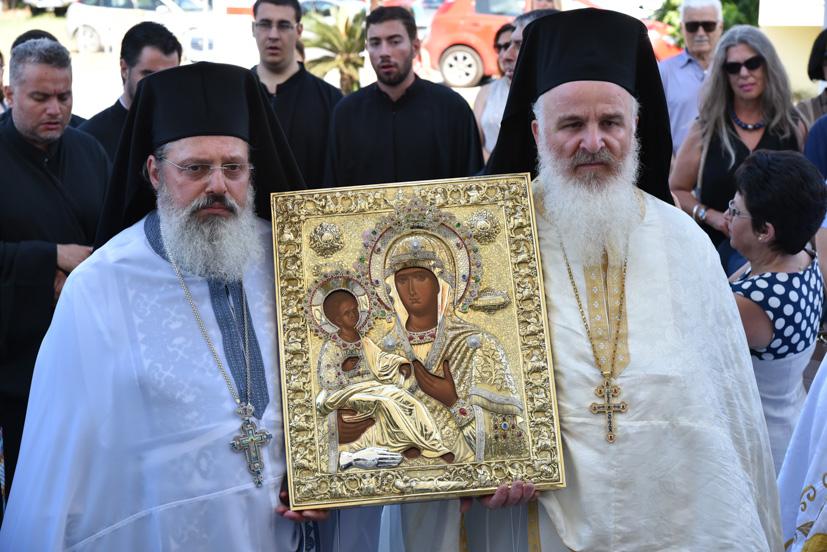 Η Φοινικούντα εόρτασε την Πολιούχο της, Παναγία Τριχερούσα