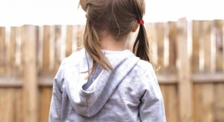 Έρχονται οι «νταντάδες της γειτονιάς» – Επιδοτούμενη φύλαξη παιδιών