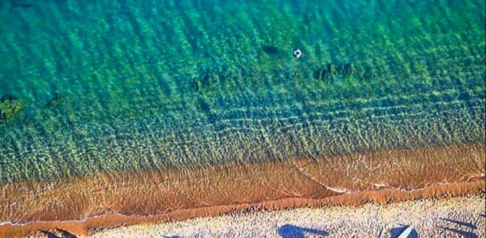 Φοινικούντα: O Παράδεισος της Μεσσηνίας με τα γαλοζαπράσινα νερά