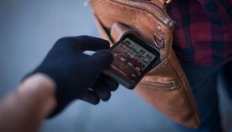 Κλέβουν «έξυπνα» κινητά και τα  ενεργοποιούν μέσω της «εύρεσης τηλεφώνου»