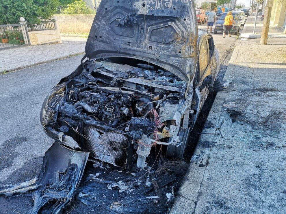 Κάηκε αυτοκίνητο στην παραλία της Καλαμάτας