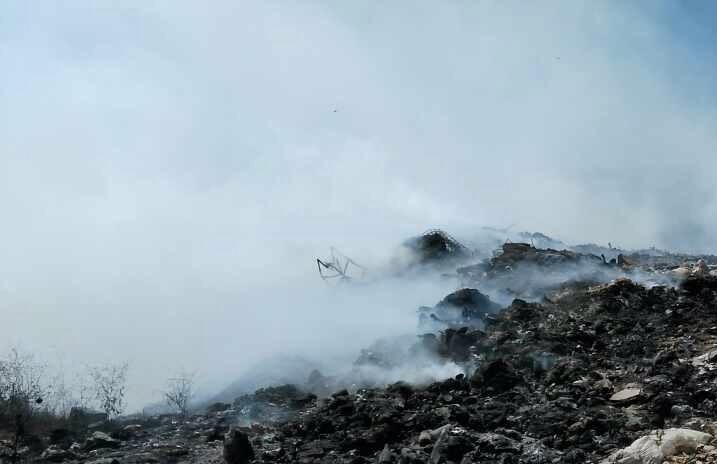 Αλιμάκι: Νέα φωτιά στον παράνομο σκουπιδότοπο με τοξικό νέφος στην περιοχή…