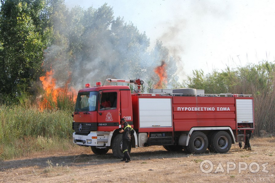 Υπό μερικό έλεγχο η φωτιά στο Πουλίτσι Μεσσηνίας
