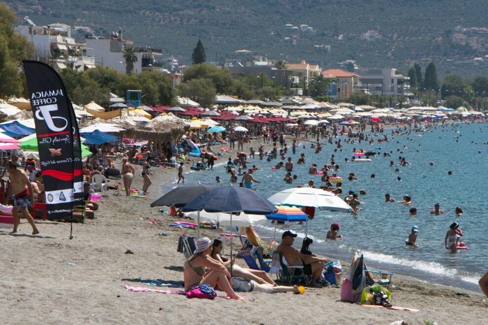 Οι Έλληνες κράτησαν «όρθιο» τον τουρισμό στην Καλαμάτα