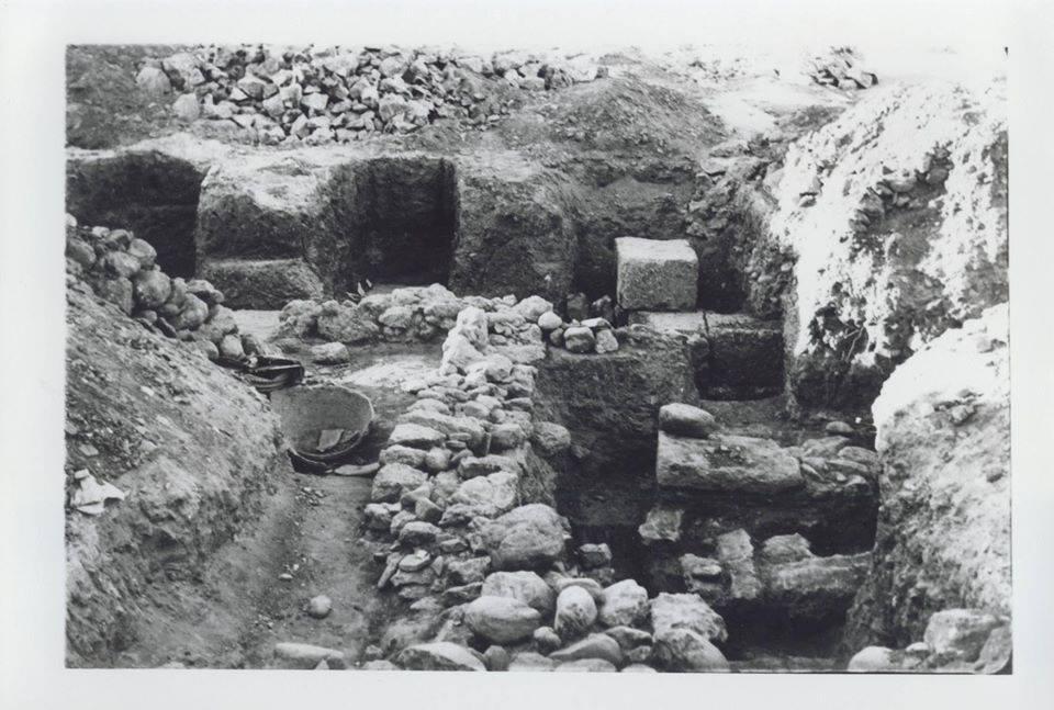 «ΘΑΡΡΟΣ» 12 Ιουλίου 1960: Ευρήματα – ανασκαφές – γνώμες για τις Φαρές