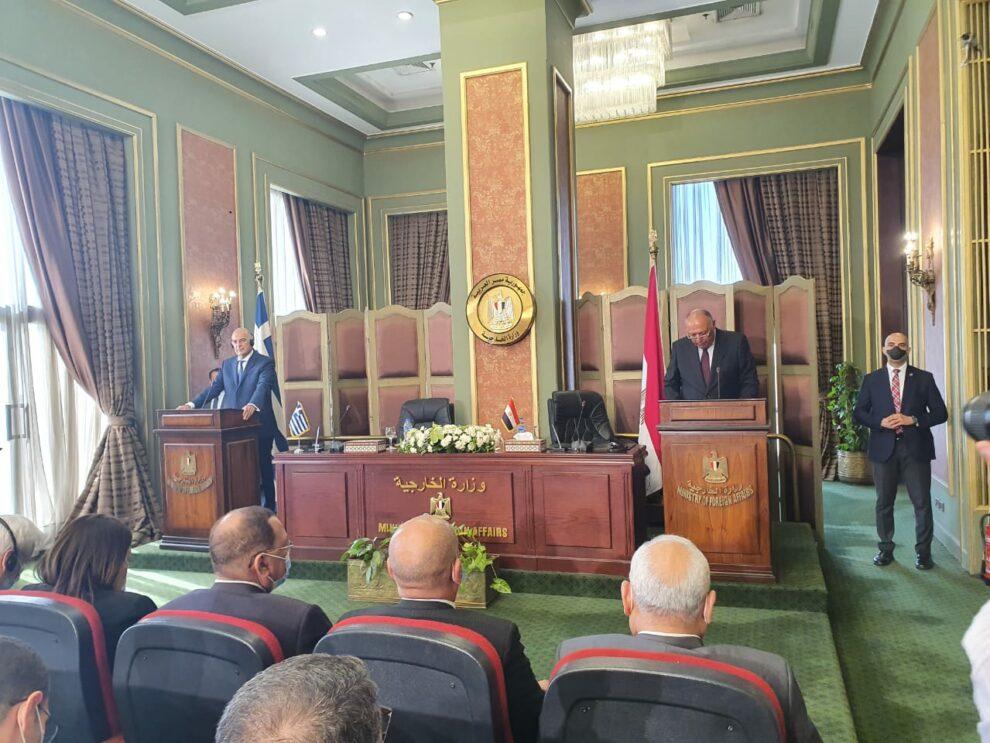 Υπεγράφη η συμφωνία Ελλάδας-Αιγύπτου για την οριοθέτηση ΑΟΖ