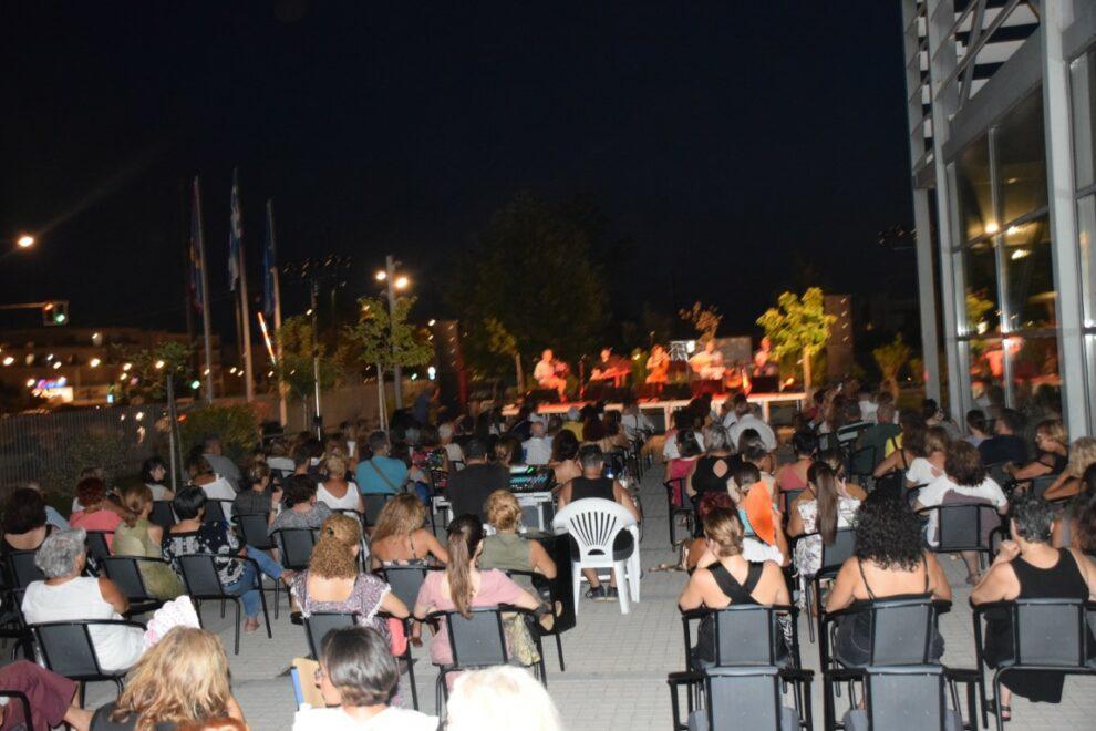 Μία ακόμα όμορφη βραδιά στο προαύλιο του Μεγάρου Χορού με την Αρετή Κετιμέ