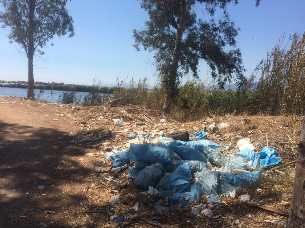 Τα σκουπίδια πληγώνουν (και) τον  παράδεισο στις εκβολές του Παμίσου…