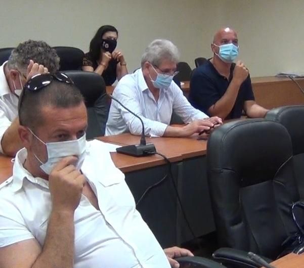 Με μάσκα… της Πολιτικής Προστασίας η Χάιδω Παναγιωτοπούλου στο Δ.Σ. Τριφυλίας