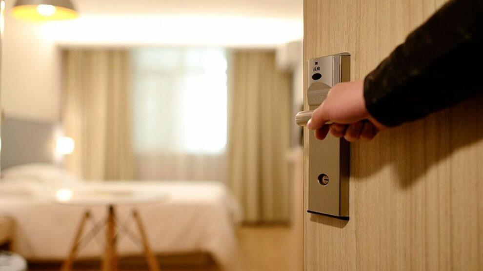 Κορωνοϊός: Στο ξενοδοχείο αναφοράς για τη Μεσσηνία βρίσκεται  ο νεαρός Γερμανός και τα μέλη της οικογένειας του