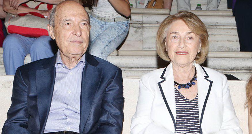 Στο Δημαρχείο Μεσσήνης ο Κώστας  Σημίτης με τη σύζυγό του Δάφνη