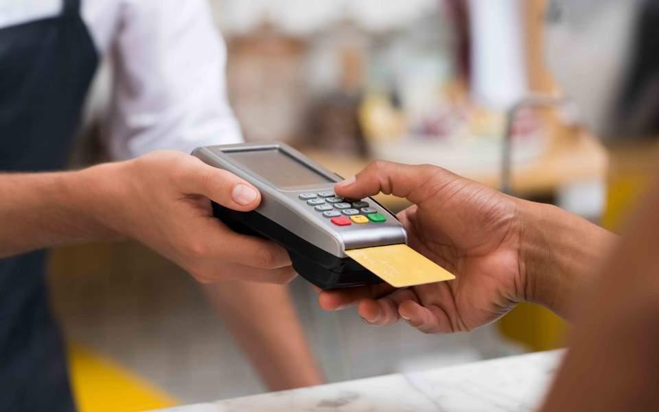 Απάτη με πιστωτικές κάρτες  στους χώρους εστίασης με θύματα και καλαματιανούς καταστηματάρχες