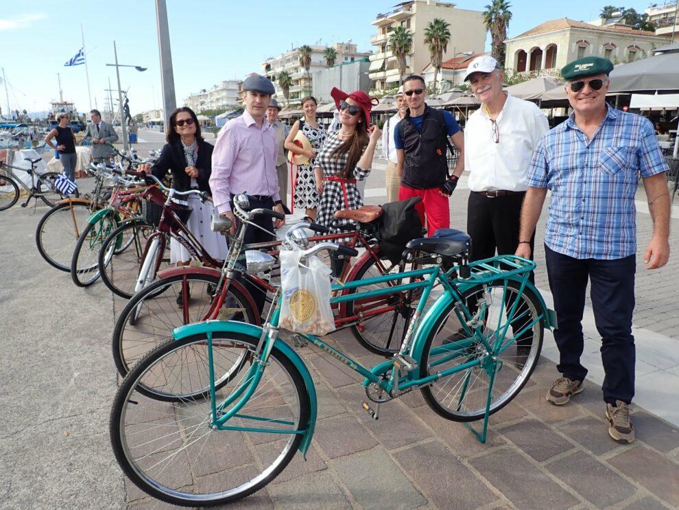 Οι νοσταλγικές ποδηλατοβόλτες της νεοσύστατης ομάδα «Αμαζόνες 2020»