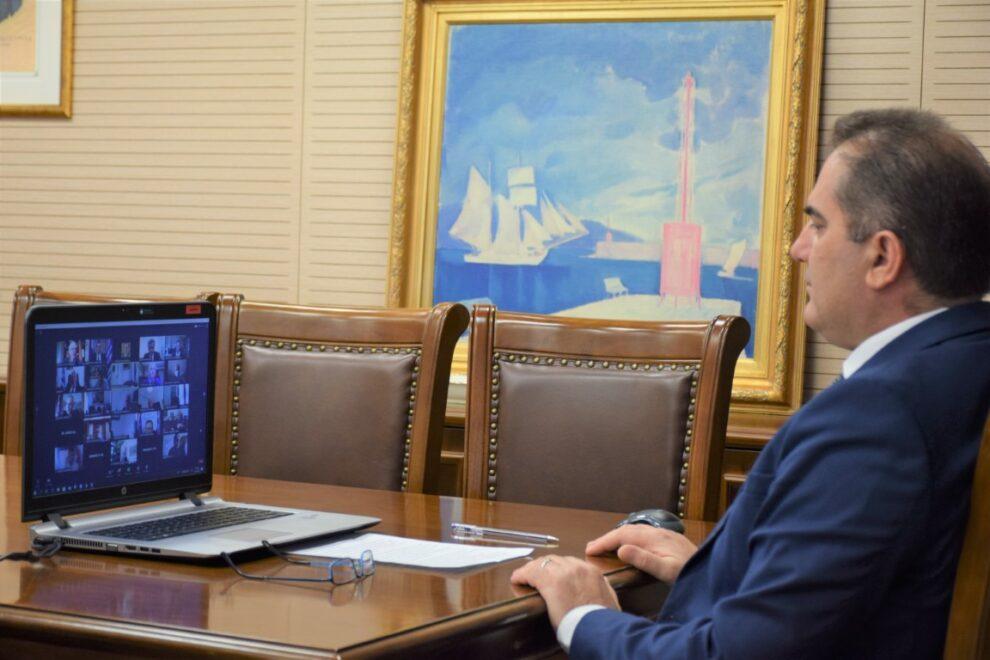 «Ελλάδα 2021»: Τηλεδιάσκεψη υπό τον πρωθυπουργό με τη συμμετοχή του δημάρχου Καλαμάτας