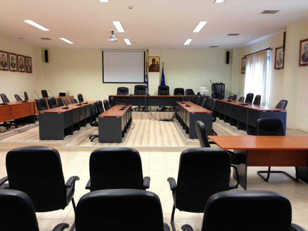 Δ.Σ. Τριφυλίας: Απουσίαζαν τουλάχιστον τα 2/3 και αναβλήθηκε η δια περιφοράς συνεδρίαση