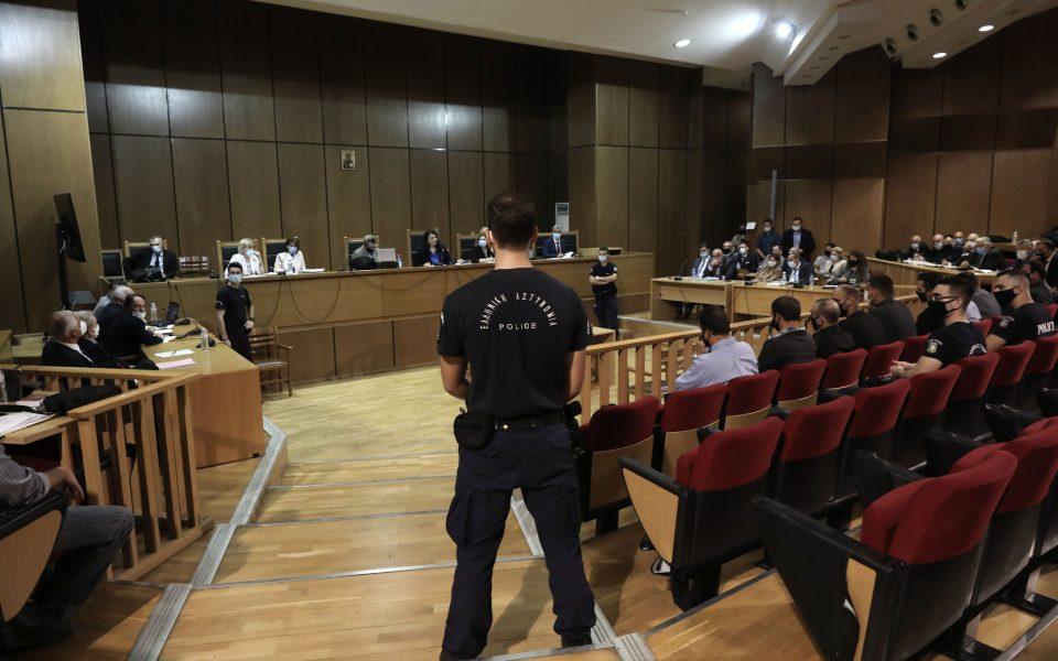 Δίκη Χρυσής Αυγής: Το δικαστήριο ξεκίνησε να ανακοινώνει ποινές – Ισόβια και 10 χρόνια για τον Ρουπακιά