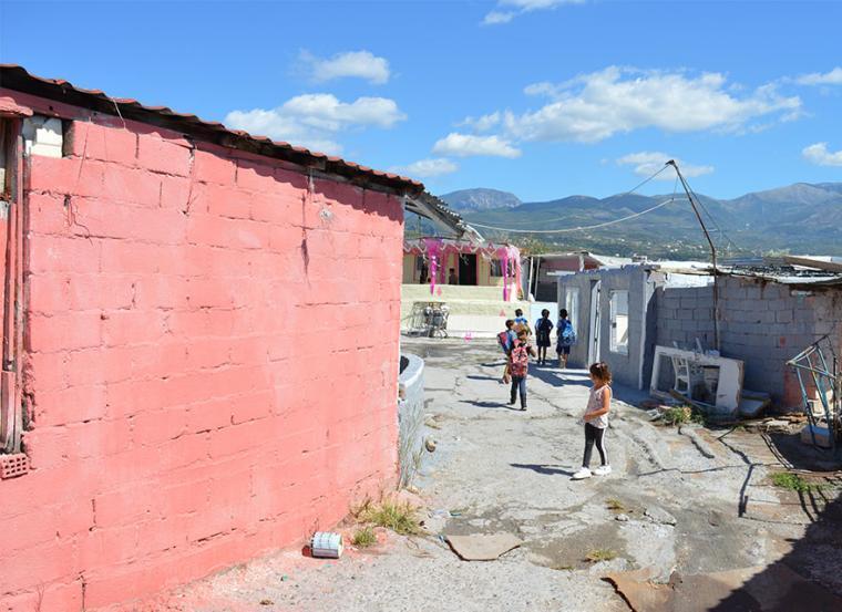 Παρέμβαση εισαγγελέα ζήτησαν  οι Ρομά της Αγίας Τριάδας για νερό, ρεύμα και αποχέτευση