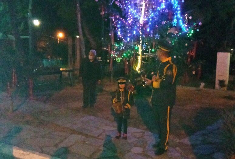 Το χριστουγεννιάτικο δέντρο του Δήμου Δυτικής Μάνης