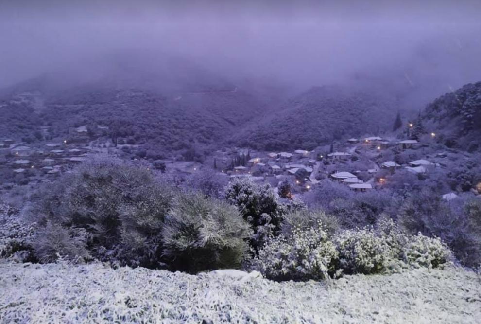 Στα λευκά και η Τριφυλία από χιονόπτωση! (φωτογραφίες)