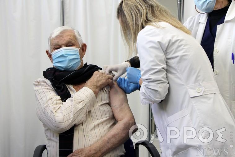 Εντυπωσιακή η ανταπόκριση των ηλικιωμένων  για εμβολιασμό στο ΚΥ Καλαμάτας