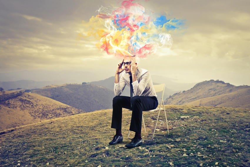 «Το πρόβλημα με τους περισσότερους ανθρώπους είναι ότι σκέφτονται περισσότερο με τις ελπίδες, τους φόβους και τις επιθυμίες τους παρά με το μυαλό τους»