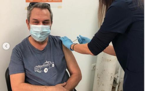 Στο Κέντρο Υγείας Αγίου Νικολάου εμβολιάστηκε ο Χρήστος Χατζηπαναγιώτης