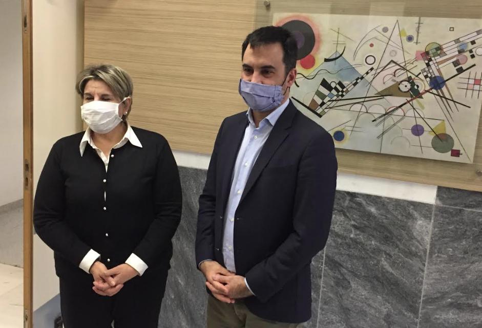 Περισσότερα εμβολιαστικά κέντρα στη Μεσσηνία και μεγαλύτερη κρατική ενίσχυση στην Υγεία ζήτησε ο Αλέξης Χαρίτσης