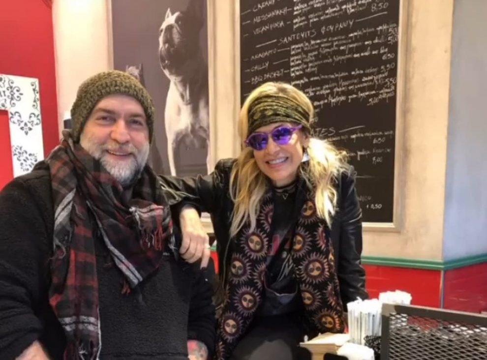 Άννα Βίσση και Νίκος Καρβέλας στο μαγαζί του Μπάμπη Στόκα στην Καλαμάτα